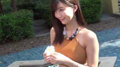 """日本清纯美女户外写真,尽情""""绽放""""她的美,"""