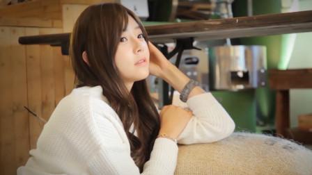 日本清纯美女写真,可爱充满活力,姿势很诱惑