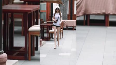 街拍美女:小姐姐的腿是腿,我的只是代步工具罢了
