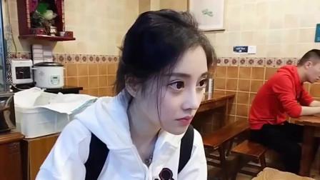 冯提莫走红韩国,一首《小鸡哔哔》让主播疯了