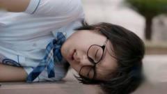 少年派:林妙妙体育课中暑晕倒,钱三一抱起人