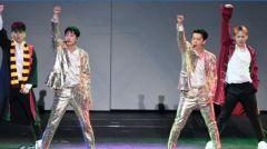 SJD&E东海从舞台坠下 粉丝赞行动荷尔蒙