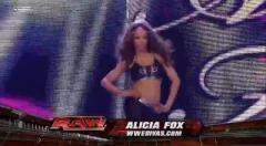 2010RAW,第二期第二节: 凯丽凯丽对战狐狸姐 兰迪科