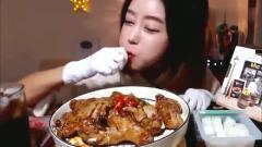 韩国吃播大胃王多萝西美女吃烤鸡腿,鲜嫩多汁