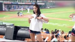 韩国棒球美女啦啦队,开场前热舞,背景音乐竟