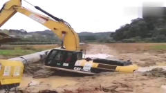 挖掘机师傅各种操作失误的糗事,最后那辆挖机