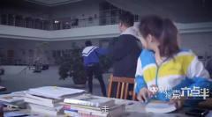 陈翔六点半:小伙图书馆抢座位,美女不给让座