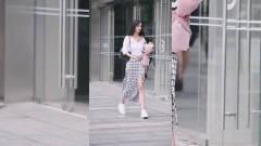 街拍美女:如果我女朋友这么好看,我是绝对不