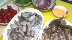 非遗美食:厦门小哥做泰式海鲜沙拉,一盘在酒