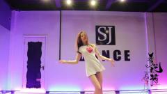 秀艺主播:蒂娜韩国热舞,详细动作分解