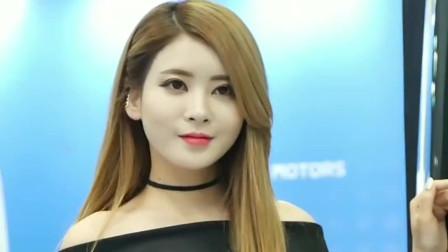 韩国可爱美女车模,金发美女一袭黑衣更显皮肤
