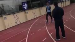 """体育生的八百米死亡冲刺,最后剩一米""""居然"""""""