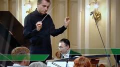 """俄罗斯国际音乐比赛""""放错曲""""中国钢琴家发懵"""