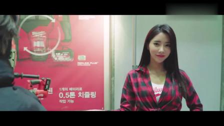 韩国美女车模林率雅在机车展