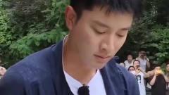 极限挑战:被打的贾乃亮,小岳岳这偷袭太搞笑