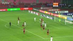 深圳中场发起进攻,门前混战马里首秀绝平比赛