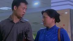 民工:美女换上粉色新衣,更加美艳动人,小伙