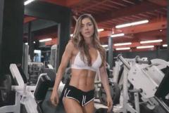 健身女郎演绎运动大片,完美身材秀翘臀腹肌