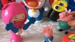 少儿益智亲子动漫:猪爸爸想玩乔治的玩具,乔
