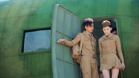 美女穿上短裙惊艳出场,外国大兵的眼睛立马被