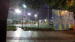 晚上在广西玉林体育馆偶遇一群小朋友在练习打