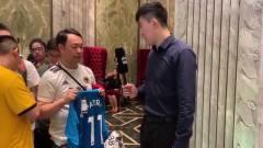 PP体育采访狼队球迷:因葡萄牙爱上狼队,队内葡