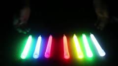 奇闻趣事:如果把荧光棒里的荧光夜,来泡水宝