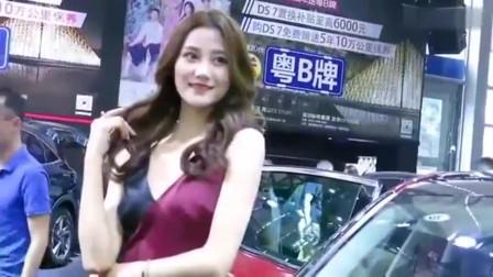 看到这位美女车模, 我就知道这次车展没白来!