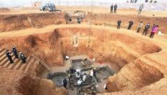考古队勘探出大墓,3500平方米竟挖掘63豪华大墓