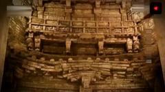 考古发掘千年古墓,古墓大门,像是玉皇大帝的
