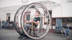 牛人打造超酷的电动摇椅,太拉风了
