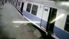 灵异事件:白衣女子刚走到火车站,监控就拍下