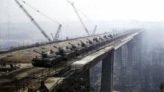 小国启用120多辆坦克检验大桥,结果损失10个亿!