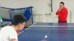 初中生体育课打乒乓球,作为体育生自叹不如,