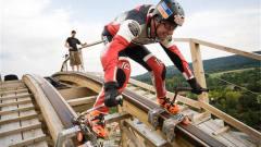 牛人穿轮滑鞋玩过山车,60秒滑860米,网友:真不