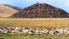 山西农村一土堆,千年来从不积雪,考古专家一