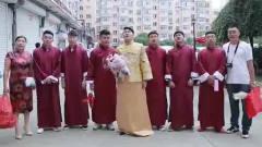 农村婚礼:新郎要出发迎娶新娘了,没想到伴郎