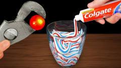牙膏遇到1000度高温铁球,会发生什么?牛人亲测