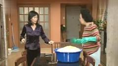 搞笑一家人:文姬**腌咸菜还要被海美嫌弃:不料