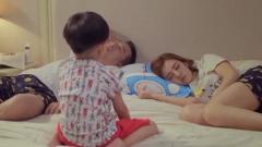 夫妻俩给儿子讲睡前故事,怎料儿子先把他俩哄