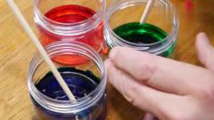 奇闻趣事:老外使用混色器搅动3种颜色,混合后