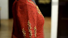 奇闻趣事:实拍印度人手工缝制衣服装饰品,不
