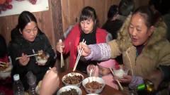 去湖南农村吃酒席,怎么上桌都是两双筷子,这