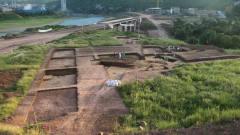 河南一块农田几十年种不活庄稼,考古队:下面