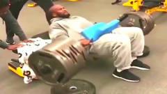 全美最强壮橄榄球运动员!身体到底有多可怕?