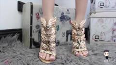 最奇葩的双鞋,女人穿上痛不欲生,最后一双见