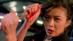 黑老大被人砍杀,美女双手抓住刀刃,真是很人