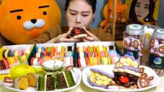 韩国美女卡妹吃花式马卡龙,这开心的表情太有