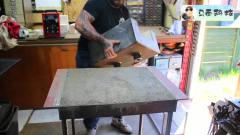 牛人买来钢管等材料, 在工作室DIY锻造炉, 动手能