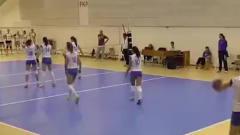 韩国排球美女休息时间,屏幕装不下这大长腿了